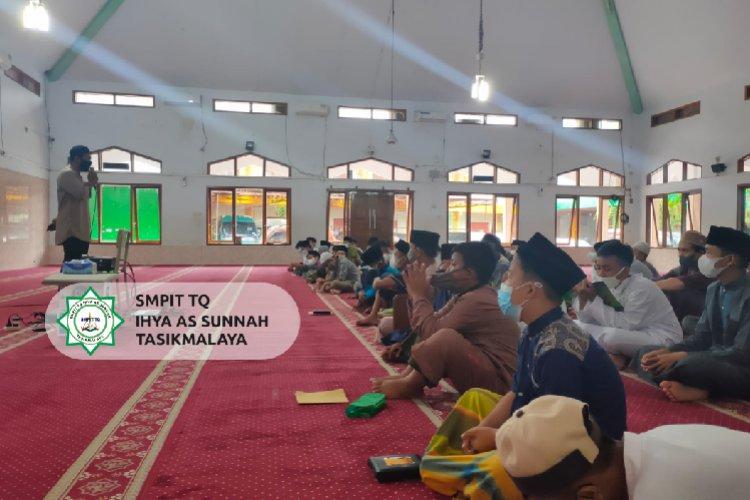 Dauroh Pelatihan Perbaikan Ibadah SMPIT-TQ