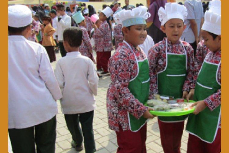 Kegiatan Market Day SDIT-TQ Ihya As Sunnah Tsm